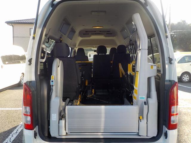 福祉車両 車いす2脚 自動ドア ルーフサイドウィンドゥ(13枚目)
