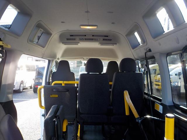 福祉車両 車いす2脚 自動ドア ルーフサイドウィンドゥ(29枚目)