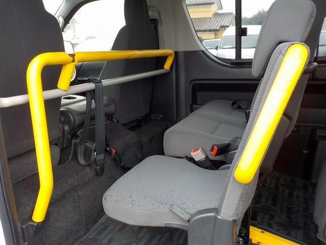 ウェルキャブ Bタイプ 車いす2脚リアリフト仕様 自動ドア(23枚目)