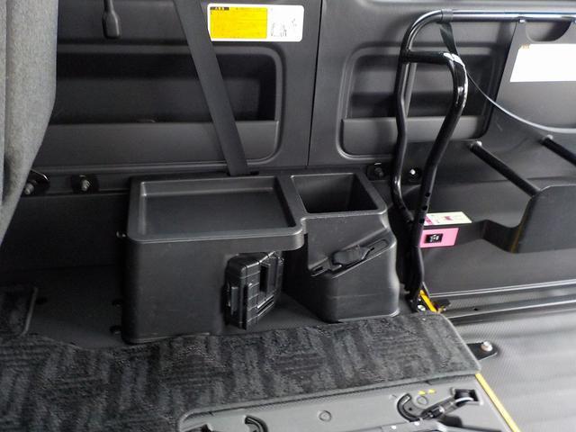 ウェルキャブ Bタイプ 車いす2脚リアリフト仕様 自動ドア(25枚目)