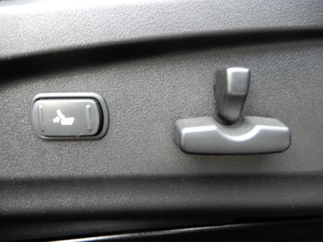 運転席は電動しーととなりますので、ドライブポジションの微調整もラクラクです☆