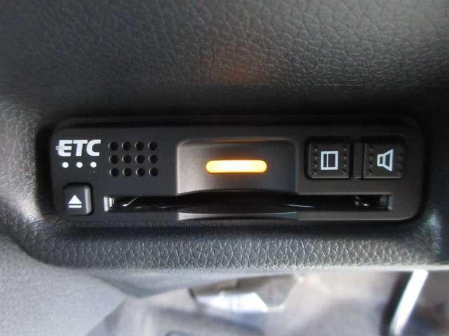 L ホンダセンシング 禁煙車 元試乗車 純正メモリーナビ Bluetooth ETC リアカメラ USBジャック LEDヘッドライト/フォグライト スマートキー(10枚目)