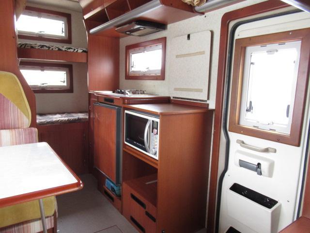 キャンピングカー キャブコン ファンルーチェ セレンゲティ サブバッテリー 1500Wインバーター 電子レンジ FFヒーター 65L冷蔵庫 走行充電 外部充電 外部電源 メモリーナビ バックカメラ(7枚目)
