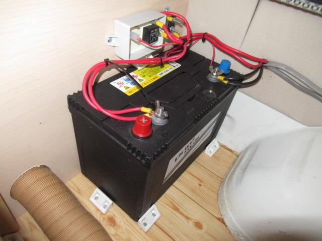 デルタリンク デルタワゴン 2WD 2700cc キャンピングカー バンコン 8人乗車 3人就寝 FFヒーター 冷蔵庫 シングルサブバッテリー 給排水10Lタンク 外部電源 バックカメラ ETC(20枚目)