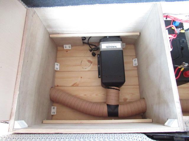 デルタリンク デルタワゴン 2WD 2700cc キャンピングカー バンコン 8人乗車 3人就寝 FFヒーター 冷蔵庫 シングルサブバッテリー 給排水10Lタンク 外部電源 バックカメラ ETC(69枚目)