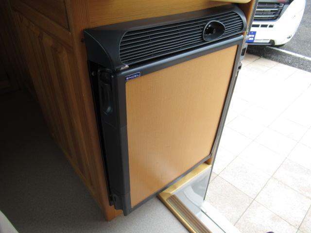 キャンピングカー キャブコン AtoZ アレン サブバッテリー 1500Wインバーター ウィンドウエアコン 電子レンジ マックスファン DC40L冷蔵庫 シンク 走行充電 外部電源(32枚目)
