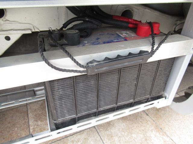 キャンピングカー キャブコン AtoZ アレン サブバッテリー 1500Wインバーター ウィンドウエアコン 電子レンジ マックスファン DC40L冷蔵庫 シンク 走行充電 外部電源(53枚目)