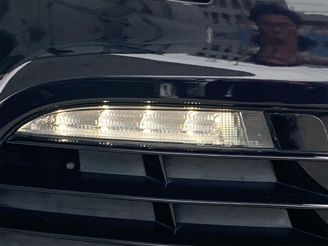 R 安心輸入車保証付き ターボ 4WD ブラックレザーシート 純正ナビ フルセグTV バックカメラ シートヒーター ETC クルーズコントロール(14枚目)