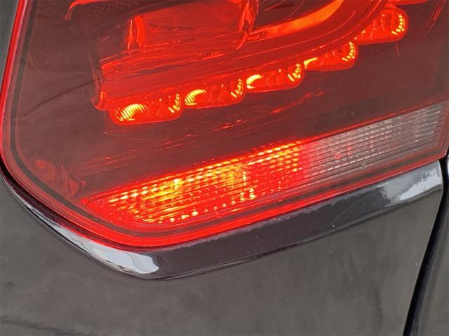 R 安心輸入車保証付き ターボ 4WD ブラックレザーシート 純正ナビ フルセグTV バックカメラ シートヒーター ETC クルーズコントロール(18枚目)
