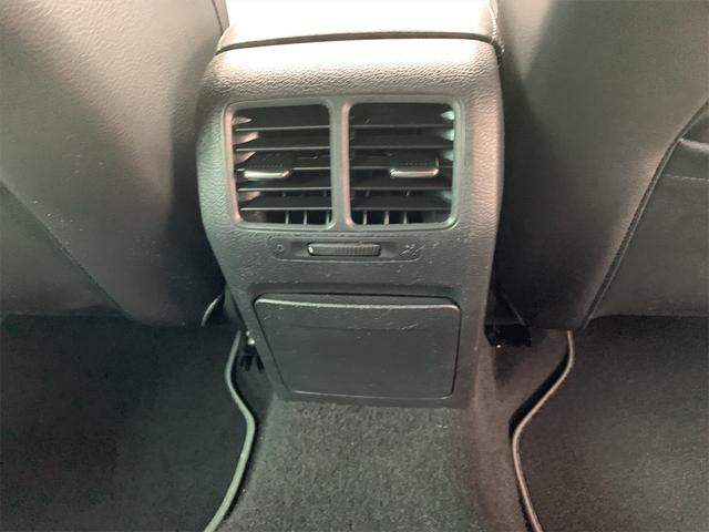 R 安心輸入車保証付き ターボ 4WD ブラックレザーシート 純正ナビ フルセグTV バックカメラ シートヒーター ETC クルーズコントロール(30枚目)