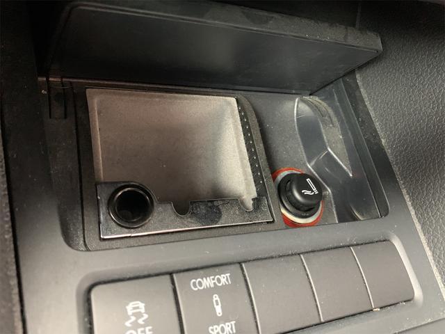 R 安心輸入車保証付き ターボ 4WD ブラックレザーシート 純正ナビ フルセグTV バックカメラ シートヒーター ETC クルーズコントロール(68枚目)