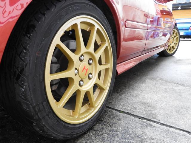 タイプR 車高調 レカロ HDDナビ ETC 社外ヘッドライト HID タイミングベルト交換済 コダワリの前期型EK9 規制前マフラーが装着できるのは前期だけ(14枚目)