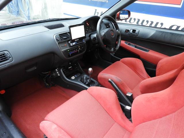 タイプR 車高調 レカロ HDDナビ ETC 社外ヘッドライト HID タイミングベルト交換済 コダワリの前期型EK9 規制前マフラーが装着できるのは前期だけ(19枚目)