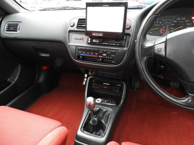 タイプR 車高調 レカロ HDDナビ ETC 社外ヘッドライト HID タイミングベルト交換済 コダワリの前期型EK9 規制前マフラーが装着できるのは前期だけ(23枚目)