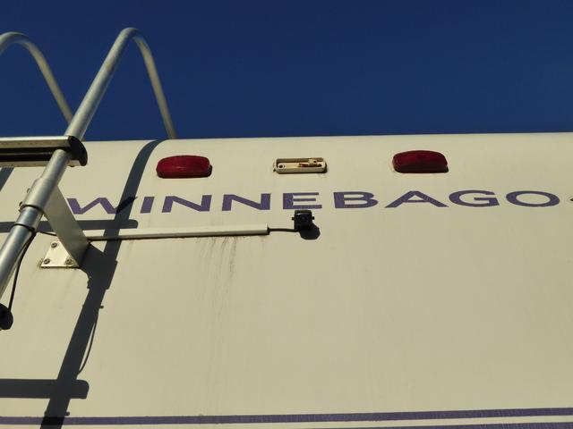 ウィネベーゴ 左ハンドル キャンピング車(9枚目)