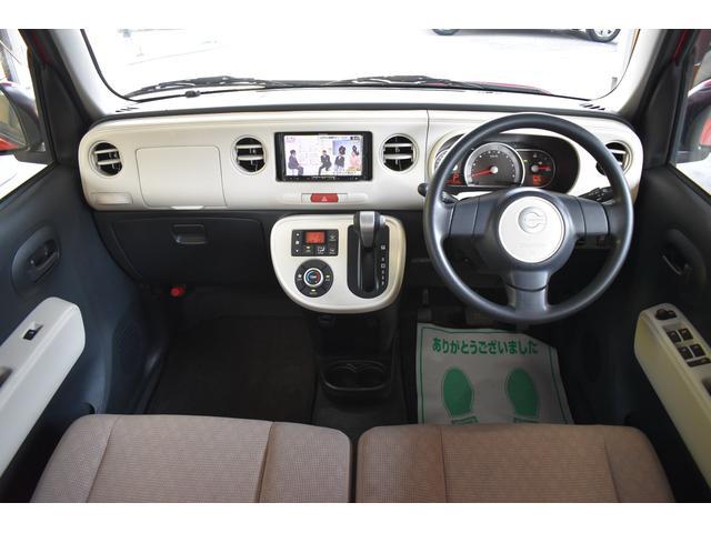 運転席周りも擦れや汚れなどなく綺麗です!運転席・助手席に使用感も少なく大事に乗られていたことが想像できます!!電装品関係も全てチェック済みですのでご安心下さい!