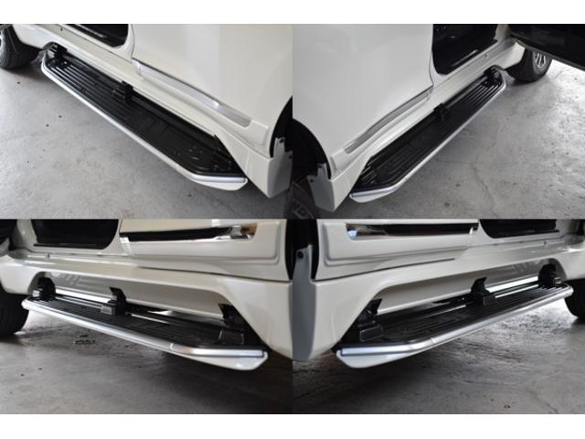 オートステップも便利な機能ですね♪ドアを開けると自動でステップが出てきます◎ドアを閉めれば自動で閉まりますので煩わしさもなく車高が高い車だと便利な装備ですよね♪