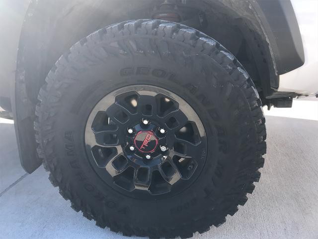 TRD PRO 新車並行車 ワンオーナー 4WD クルーズコントロール バックカメラ オートライト TRDパーツ レーンキープアシスト スマートキー(19枚目)