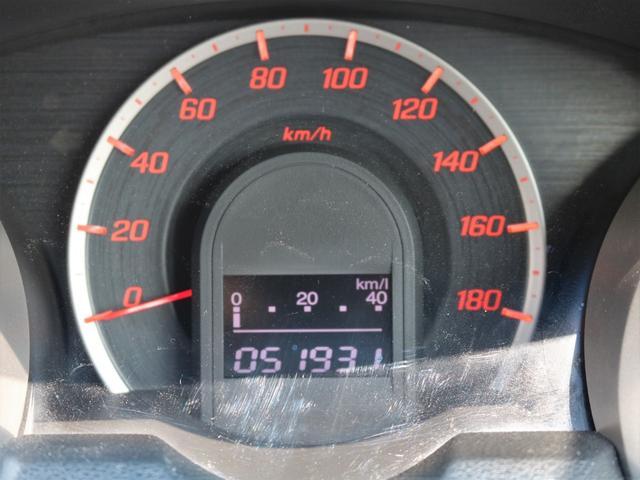 距離もまだまだ5.2万キロ!タイミングチェーン式のエンジンなので交換不要です★