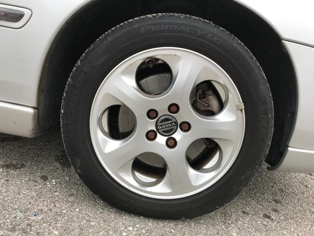 タイヤの山もまだまだあります!