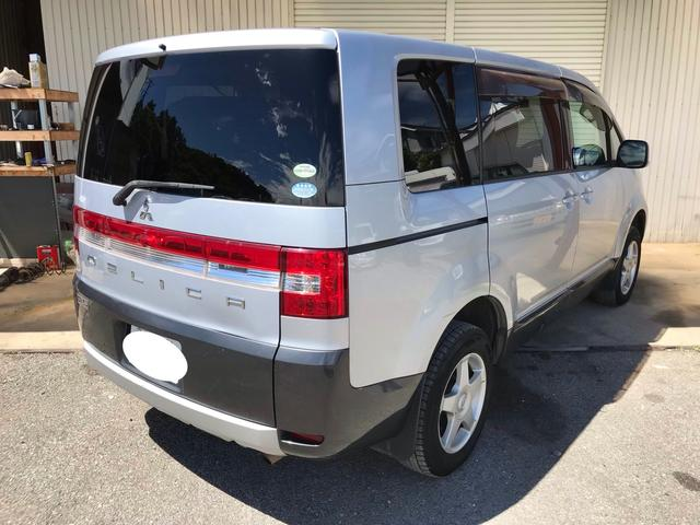 Mオートライト キーレス 4WD ガソリン 三列シート ナビ(8枚目)