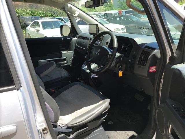 Mオートライト キーレス 4WD ガソリン 三列シート ナビ(13枚目)