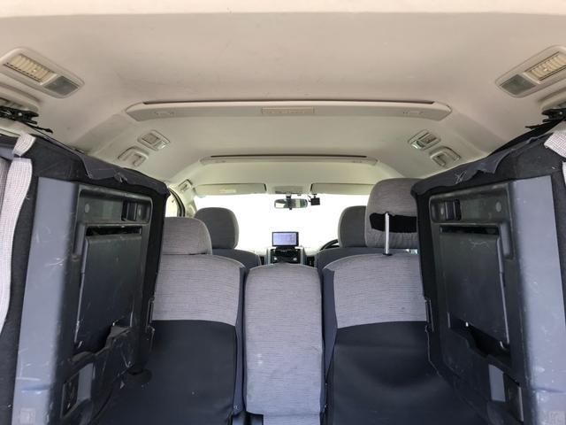 Mオートライト キーレス 4WD ガソリン 三列シート ナビ(19枚目)