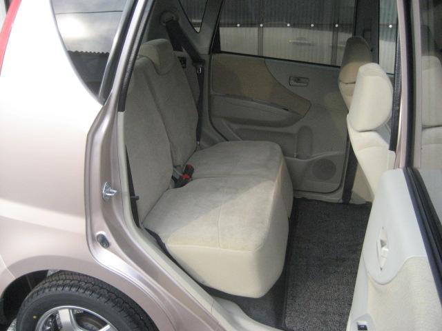 ?当社では随時15台〜20台の特選中古車を展示して販売しております。