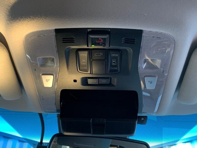 【オーバーヘッドコンソール】両側パワースライドドア、パワーバックドアが運転席から操作が可能です。