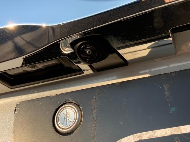 【バックカメラ】バックカメラで駐車も楽々です。