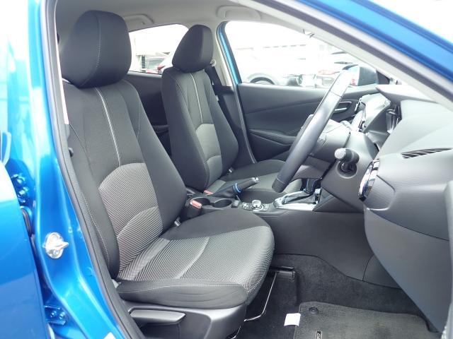 細かくシート調整が出来ますのでどなたでもピッタリポジションで運転できます♪☆