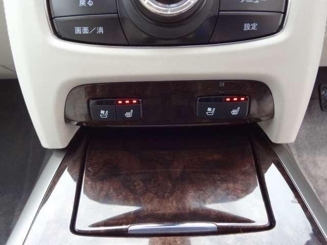 シートヒーター&エアコン装備です