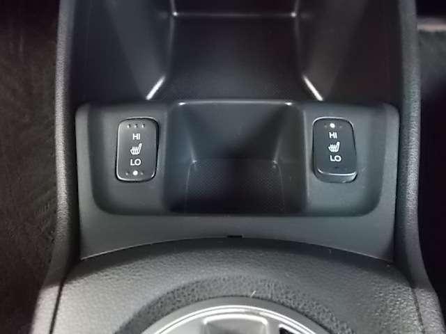 運転席&助手席シートヒーター装備で快適です