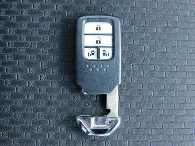 スパーダ・クールスピリット ホンダセンシング Hセンシング Mナビ Fドラレコ LED 両側電動ドア ワンオーナー リアカメ メモリーナビ 禁煙 衝突軽減B ETC シートヒーター LED ナビTV フルセグ スマートキー サイドSRS CD(20枚目)