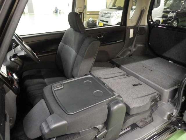 左センターピラーレス 助手席ドアも開けるとかなり広い開口スペースが作れます。
