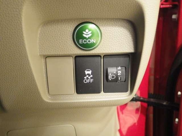 VSA装備(ブレーキ時の車輪ロックを防ぐABS、加速時などの車輪空転を防ぐ トラクションコントロールシステムに旋回時の横すべり抑制の3つの機能を トータルにコントロールする先進の車両挙動安定化制御シス