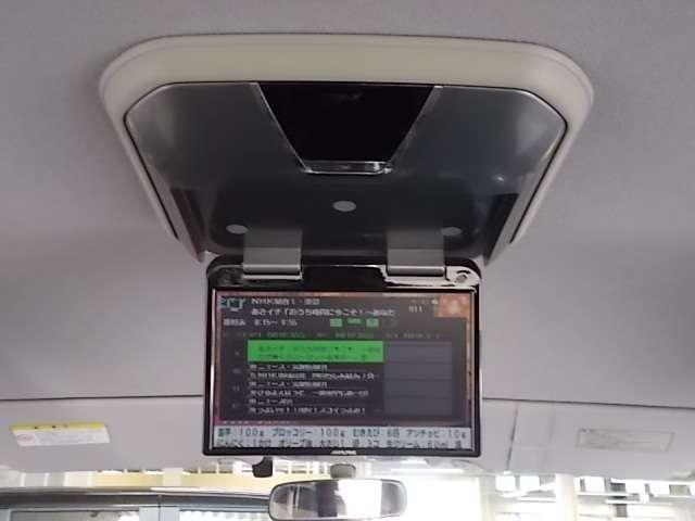 リア席モニターが装備されてます!お子様が飽きずに乗ってくれますよ!
