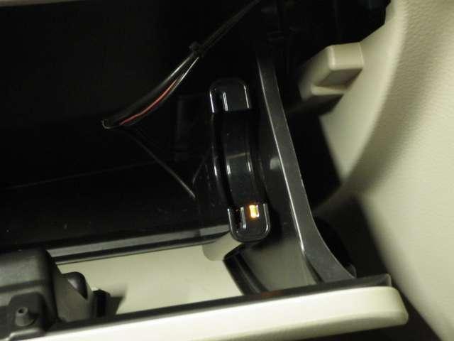JPターボ 衝突軽減B ナビ ETC フルタイム4WD ナビTV オートエアコン 禁煙 両側スライドドア キーフリー シートヒーター ターボ メモリーナビ ABS 盗難防止システム WエアB インテリキー CD付(7枚目)
