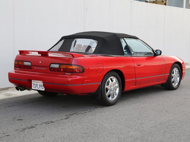 """北米ではS13系の最終モデルである1994年モデルの限定車""""LIMITED EDITION""""。現車は、店主が渡米しロサンゼルス近郊で見つけた1台。コンディションは上々。"""