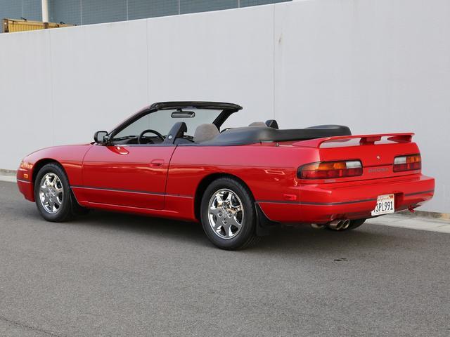 老婦人から譲り受けたばかりというセカンドオーナーと交渉し入手したこの240SXは新車時からガレージに保管され、20年以上の年月が経過してるとは思えない輝きを放ってます。