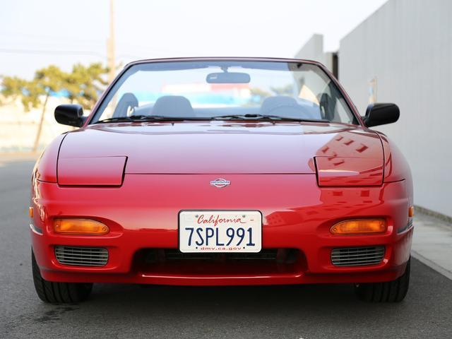 日本でも発売されたことのあるS13コンバーチブルだが、北米仕様のものは日本のそれとは随所にわたって相違点が見られる。トップ部分の架装はオーテックジャパンで施工された日本仕様とは違った北米日産での施工。