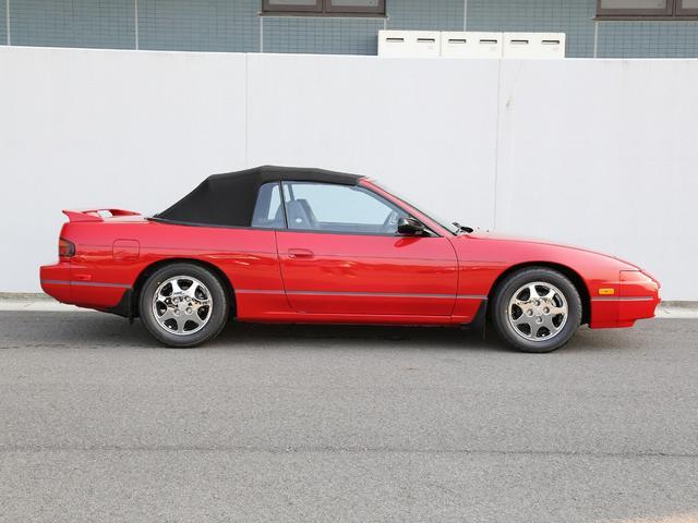 現車は、店主が渡米しロサンゼルス近郊で見つけた1台。コンディションは上々。