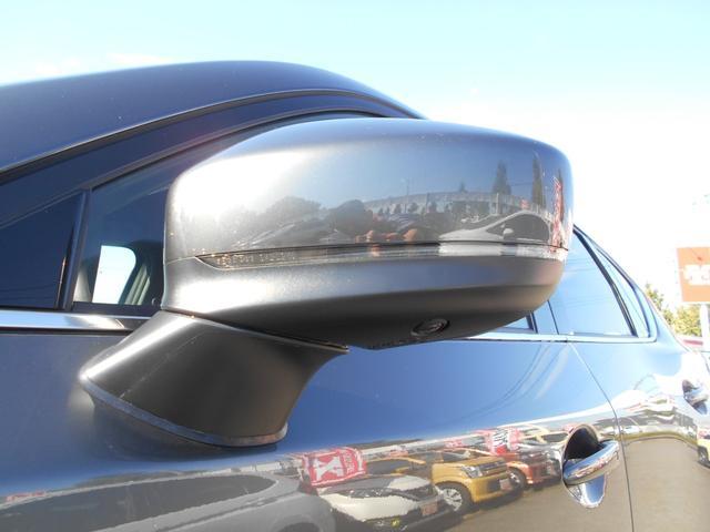 XD エクスクルーシブモード4WD 登録済未使用車OPカラー(4枚目)