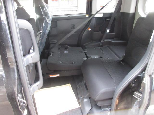 コンフォートパッケージ!後席用シートバックテーブル 左右独立式リクライニング&スライドリヤシート