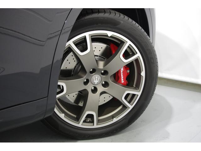 ¥100,000-オプション20インチAW『ネレーオ』¥55,000-レッドカラードブレーキキャリパー『ロッソ』