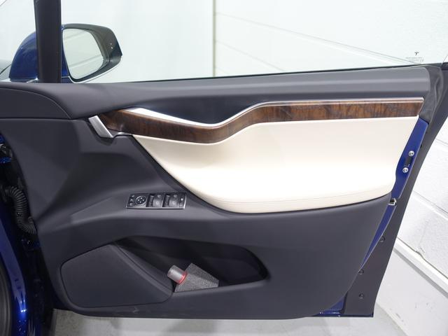 「テスラ」「モデルX」「SUV・クロカン」「東京都」の中古車42