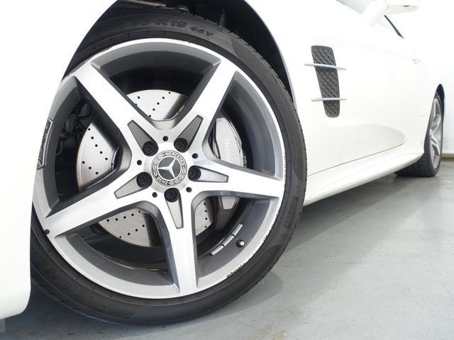 SL400 禁煙車 メルセデスケア付き レーダーセーフティPKG パノラミックバリオルーフ AMGスタイリングPKG ナッパレザーシート メモリー付パワーシート 純正HDDナビ・フルセグ ダイヤモンドホワイト(7枚目)