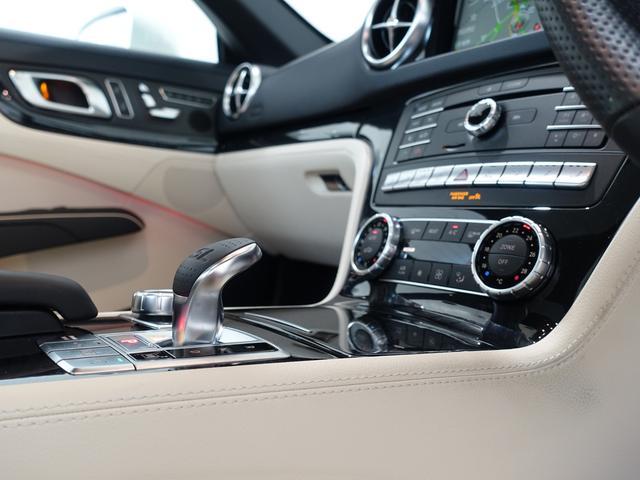 SL400 禁煙車 メルセデスケア付き レーダーセーフティPKG パノラミックバリオルーフ AMGスタイリングPKG ナッパレザーシート メモリー付パワーシート 純正HDDナビ・フルセグ ダイヤモンドホワイト(52枚目)