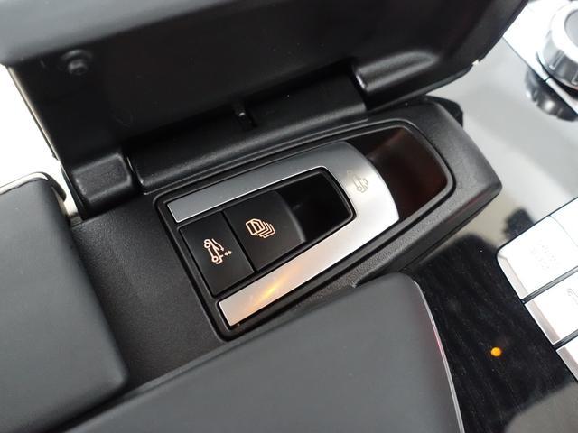 SL400 禁煙車 メルセデスケア付き レーダーセーフティPKG パノラミックバリオルーフ AMGスタイリングPKG ナッパレザーシート メモリー付パワーシート 純正HDDナビ・フルセグ ダイヤモンドホワイト(60枚目)