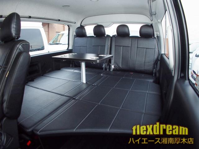 GL4WD ベッド テーブル 床 ナビ 天吊りモニター(3枚目)